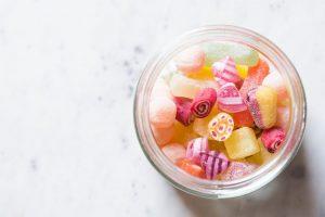 Sådan kan du skære ned på dit sukkerforbrug